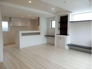 2階LDKは、明るくスタイリッシュな印象です!床暖房も。