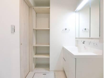 限られた空間をより有効的に設計された洗面