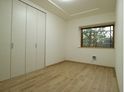 主寝室は7.7帖。