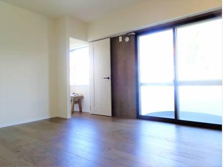 居室は約7.4帖のゆとりある広さ