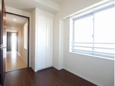角部屋のため、全室窓付きの明るいお部屋がそろっております。