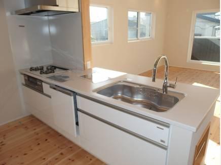 食洗機、浄水機能つきキッチン