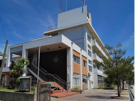 腰越中学校(約220m)