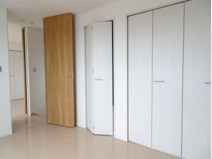 各部屋収納スペース備え付けの洋室は3部屋