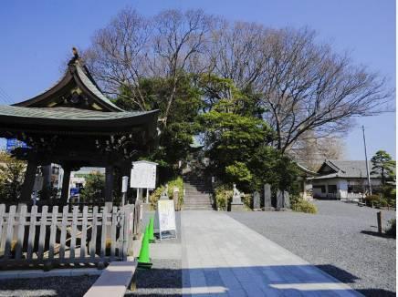 白旗神社まで徒歩3分(約240m)