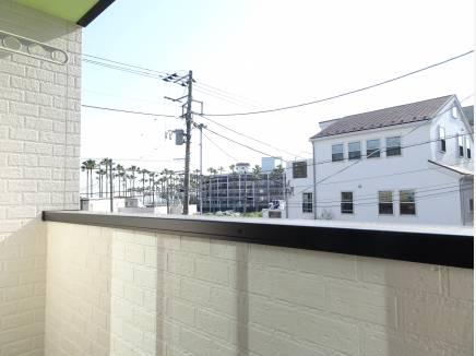 開放感溢れる2階のバルコニー
