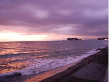 七里ガ浜の海まで約390m