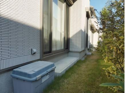 お庭スペースもあり、緑のある空間を楽しめます。