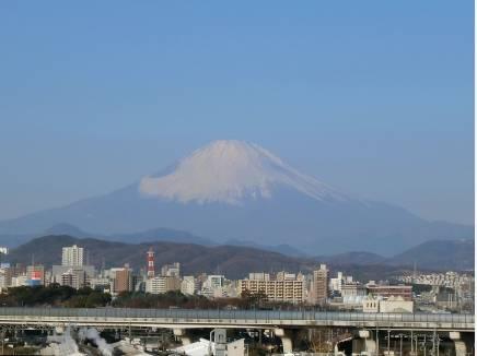 玄関前の踊り場で絶景の富士山!出勤前のルーティーン♪