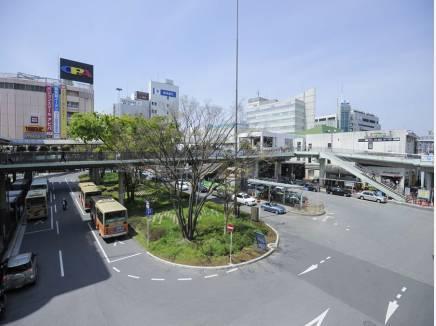 『藤沢駅』周辺は、デパートや銀行、郵便局が揃ってます。