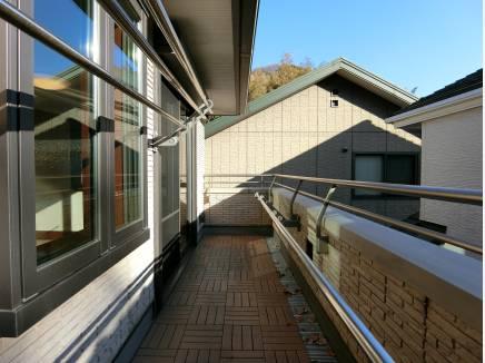 バルコニーは2箇所。鎌倉の自然を望み日当たりも良好♪
