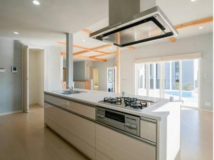 アイランドキッチンがとても開放的です。
