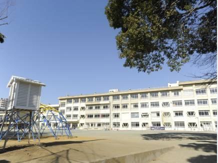 大鋸小学校(約700m)