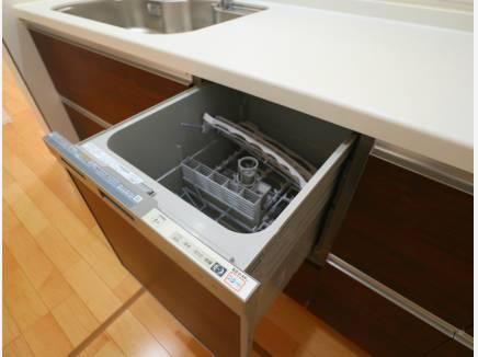 キッチンは食器洗浄機完備