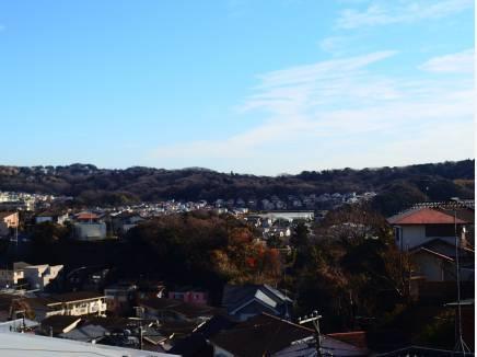鎌倉の山並みがドーンと