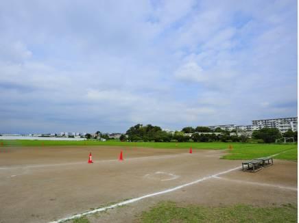深沢多目的スポーツ広場 約450M