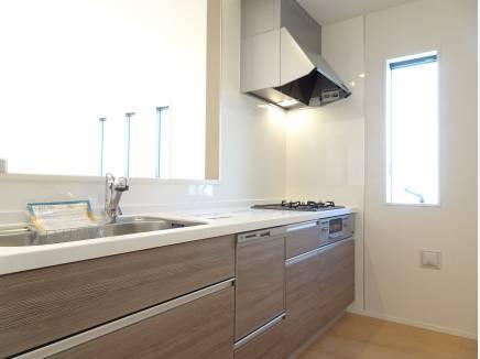 食洗器内蔵の対面式キッチン