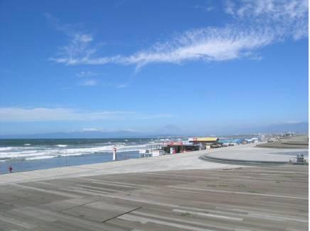 鵠沼海岸まで徒歩7分(約500m)