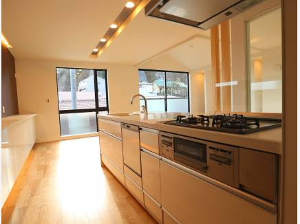 キッチンから洗面所、お風呂場へ繋がり生活導線も考えられています