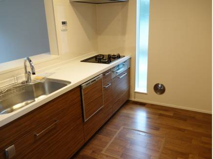 食洗機つきのシステムキッチン