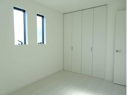 各部屋収納スペース備え付けの洋室が3部屋