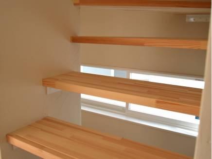スリット階段がお洒落です