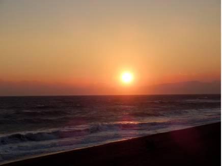 お散歩するだけでも楽しい!浜須賀海岸(約1.6km)