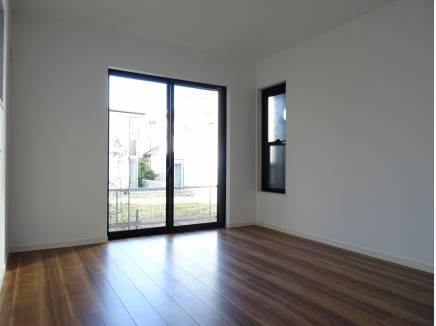 1階にご用意した3部屋ある洋室は全室が6帖以上です