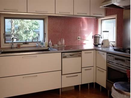 キッチンも明るく料理が楽しみになります