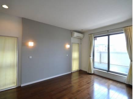 2階の洋室です