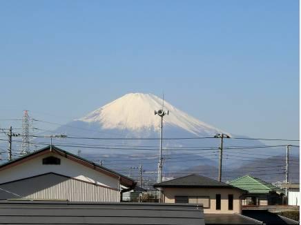雄大な富士山の情景を朝夕お楽しみ下さいませ。