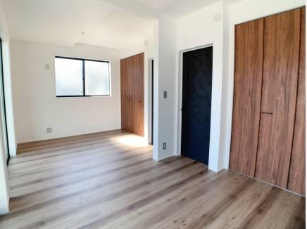 間仕切り可能な1階洋室