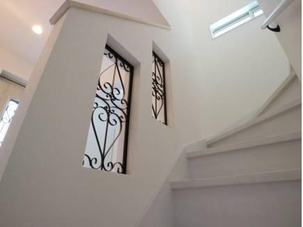 アイアンで装飾された階段