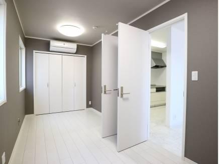 2部屋に分割可能な洋室