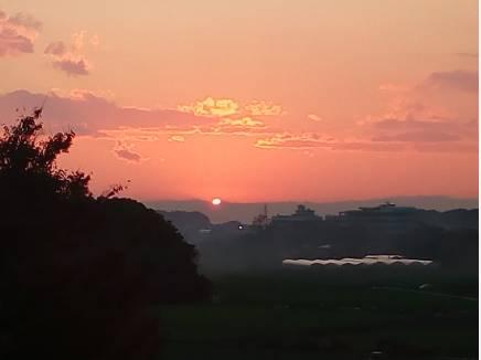 空気が澄んだ日は素晴らしい夕景も望めます※売主様撮影