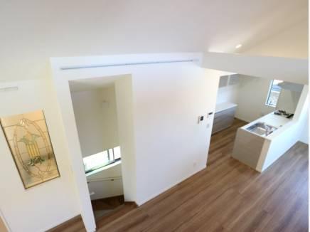 20帖超の大空間リビングには、大きめの家具も配置できそう。