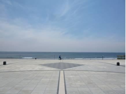 海まで歩いて9分。海が日常の中にある生活をお過ごし頂けます。約700m