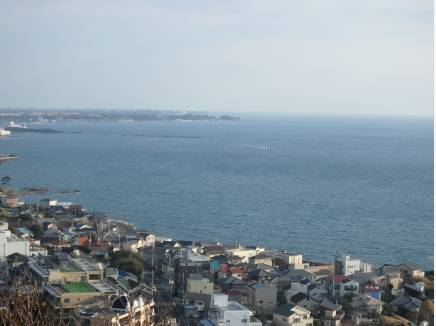 眼下に海を望めます。