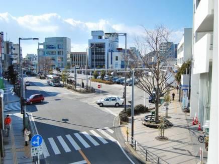 JR逗子駅まで平坦な道のりで徒歩14分