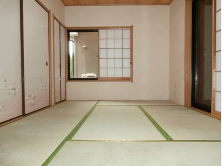収納大きめ、独立型の客間としても利用出来る和室。