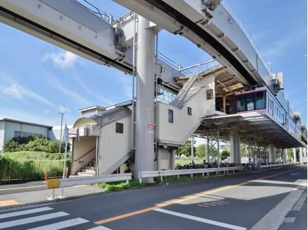 最寄りは湘南モノレール「湘南深沢」駅(徒歩12分)