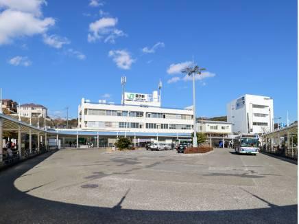 JR横須賀線「逗子」駅まで徒歩14分