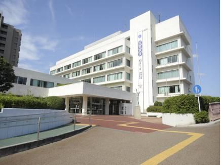 茅ケ崎市役所(約1.1Km)