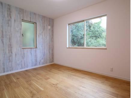各居室アクセントクロスで楽しいお部屋になっています。
