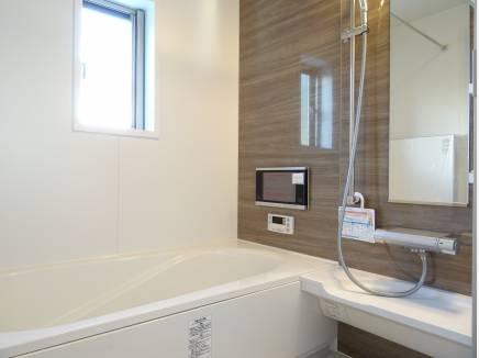 浴室は1階にご用意。水周りが集約され家事動線も整います