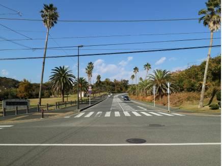 リゾート感ある佐島の入り口