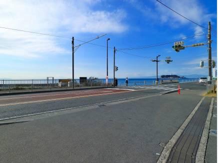 江ノ島と海を一望するこの景色に毎日出会えます。