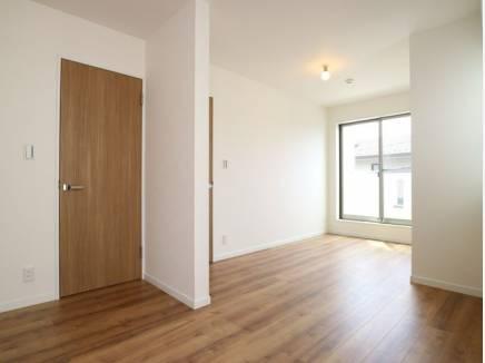2部屋にわけてもそれぞれにバルコニーがあるよう設計されています。