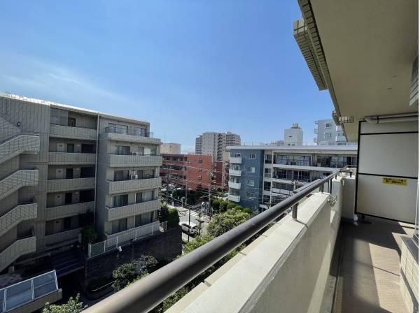 神奈川県藤沢市片瀬海岸1丁目のマンション