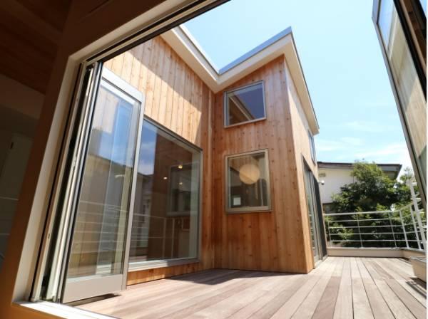 自然素材、ウッドをふんだんに使用した環境にも配慮した家